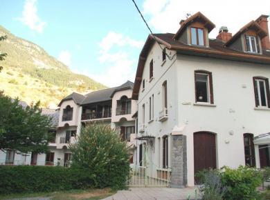 Villa Montbrison